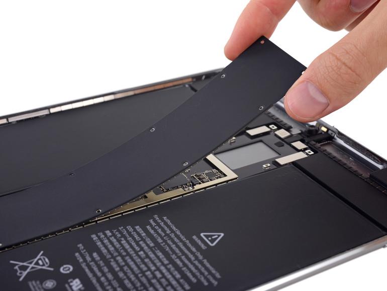 So sieht es im Inneren des iPad 10,5 Zoll aus