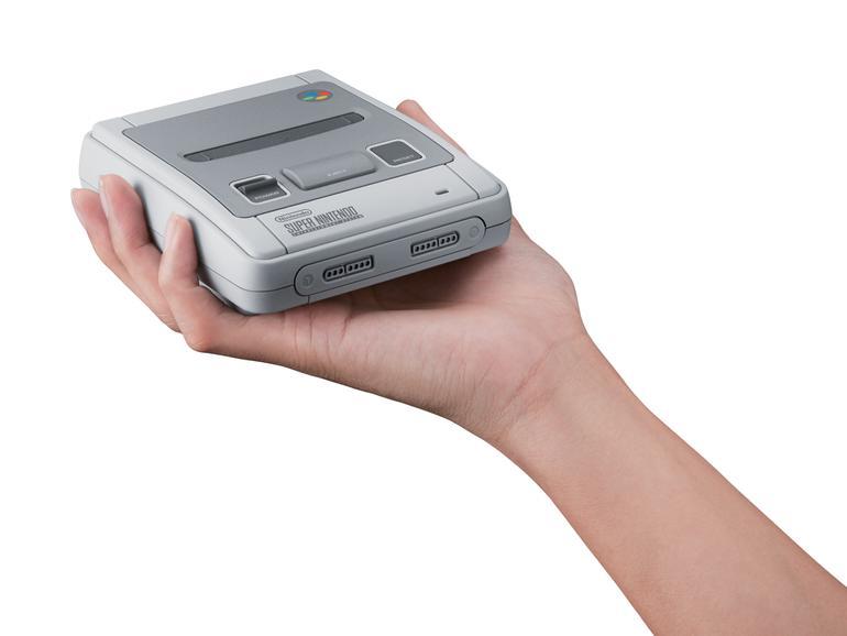 Das neue Mini-SNES können Sie buchstäblich in die Hand nehmen