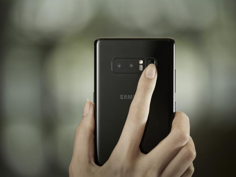 Der Fingerabdrucksensor beim Galaxy Note 8 ist eher unglücklich auf der Rückseite neben der Kamera angebracht
