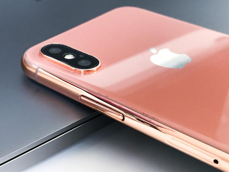Dummy des iPhone 8 in Blush Gold