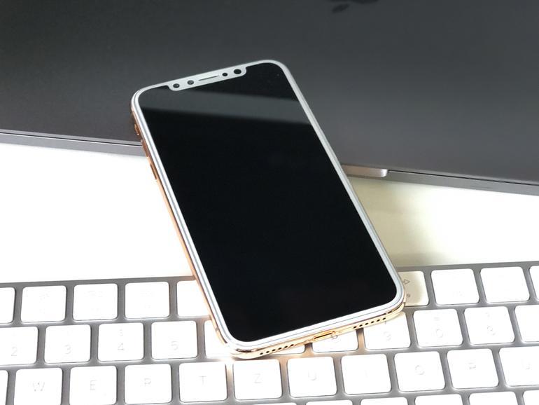 Das iPhone X wird oben einen Ausschnitt besitzen, sodass die Statusleiste ein neues Design erhält