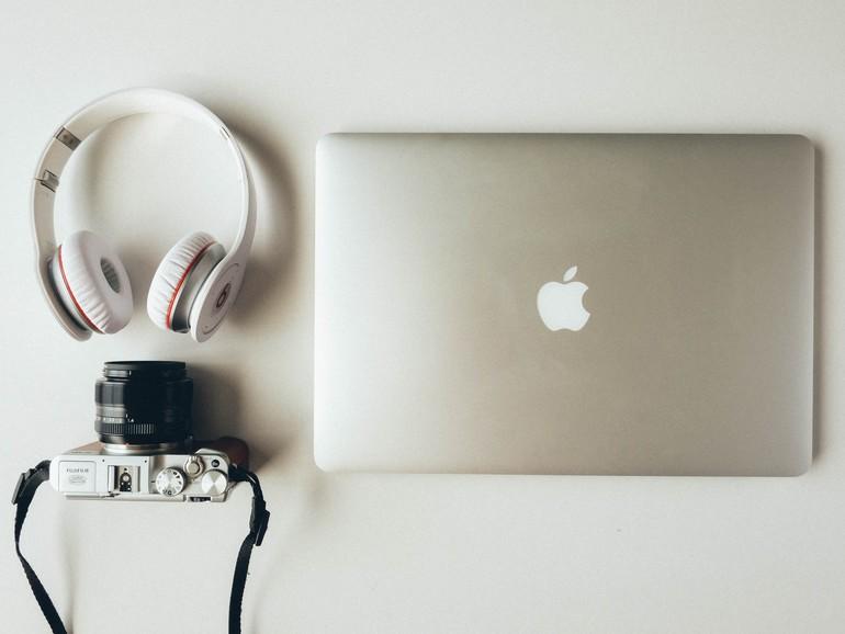Musik lässt sich auch am Mac im Idealfall mit Kopfhörern hören