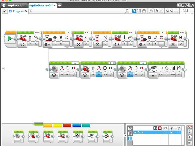 So sieht ein Programm in LabView aus, das ein Fahrzeug bewegt und am Ende eine Sound-Sequenz erfolgreich abspielt.