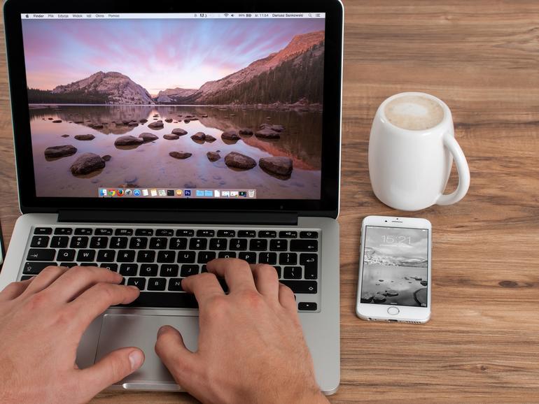 So animieren Sie Hintergründe am Mac mit einem GIF