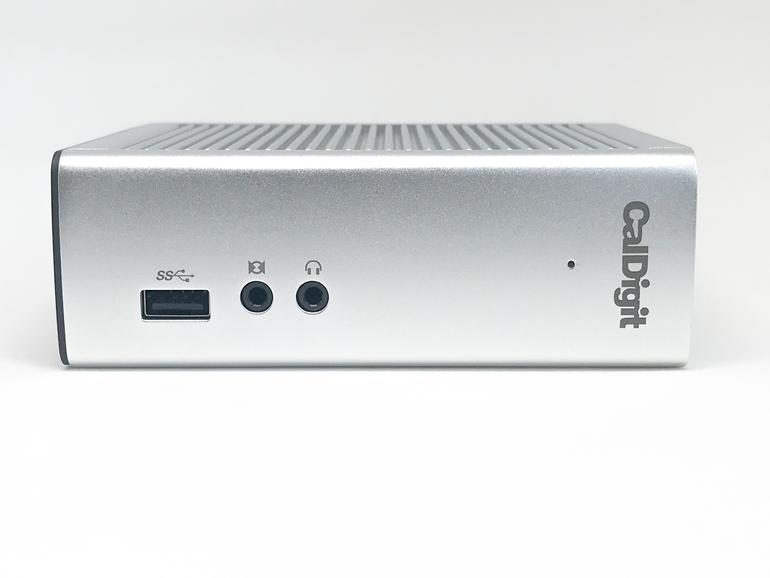 An der Front des TS 3 finden sich eine USB-Buchse sowie ein Line-In sowie Line-Out.