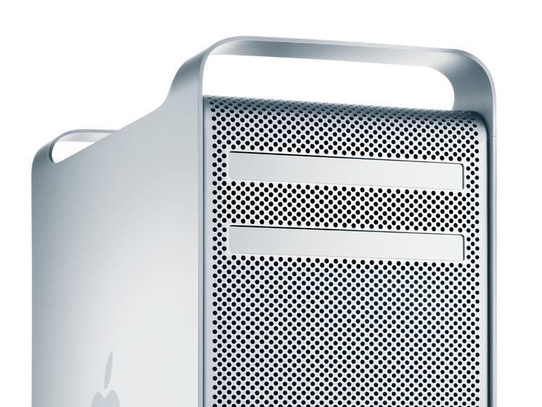 Tragegriffe und Lochblech zeichneten das Alu-Gehäuse des Mac Pro aus