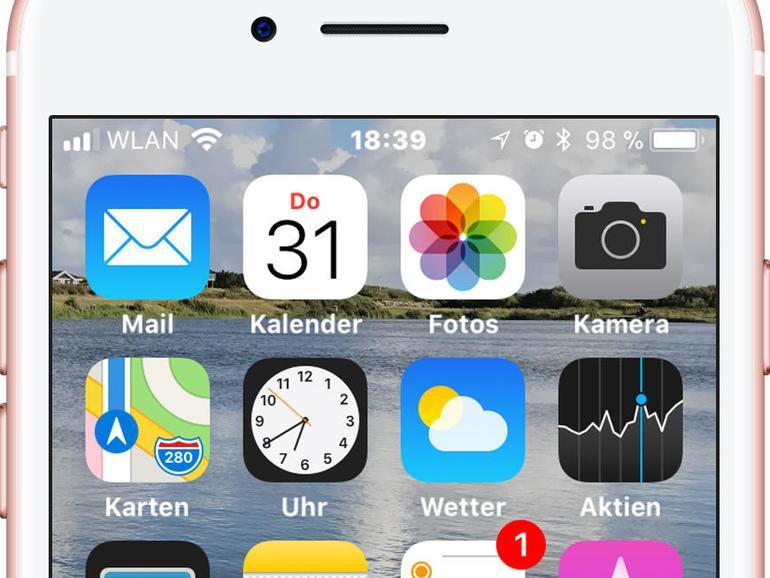 Leichter Zoom und fette Schrift für bessere Lesbarkeit, dazu ein eigener Hintergrund – schon ist der individuell optimierte Look für iOS 11 fertig.