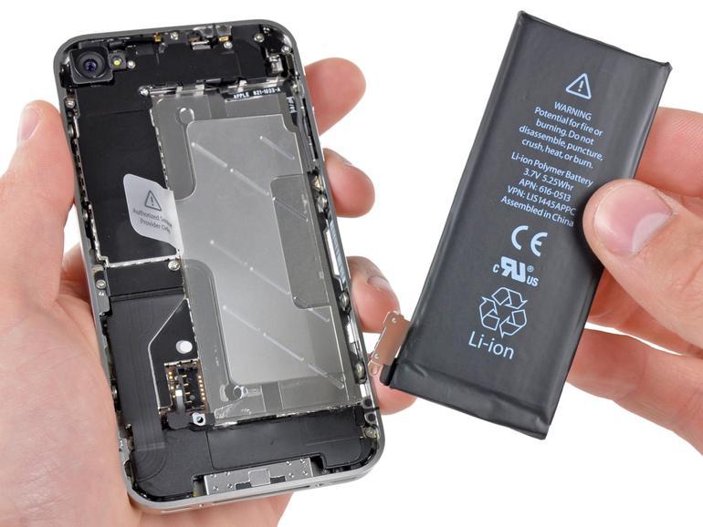 Ein Akkutausch hilft auch die Leistung des iPhones wieder zu verbessern