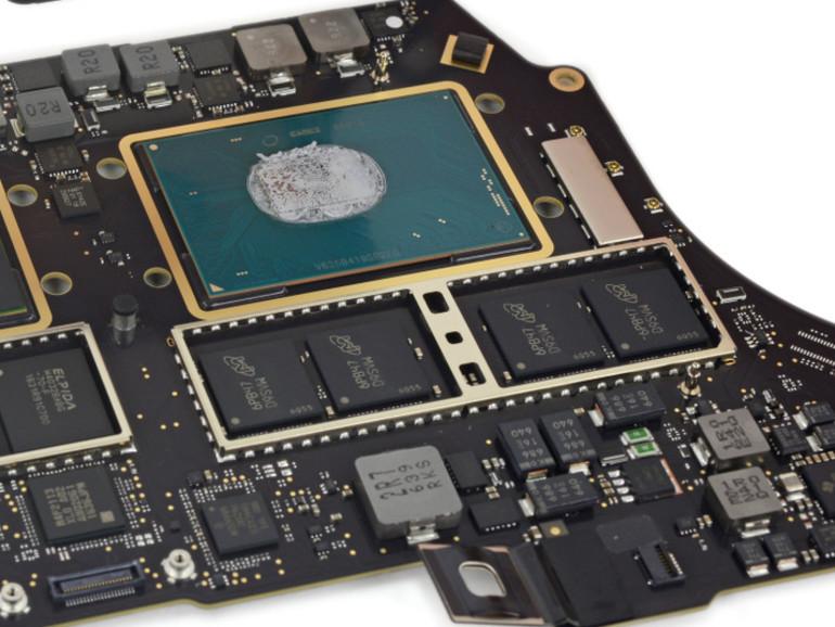 Innenleben des MacBook Pro 15 Zoll mit Touch Bar