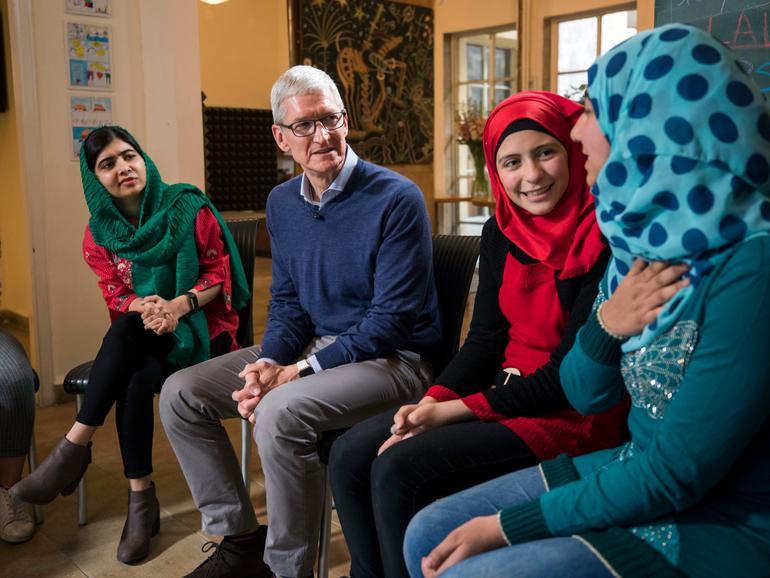 Tim Cook und Malala Yousafzai besuchen libanesische und syrische Studentinnen in Beirut
