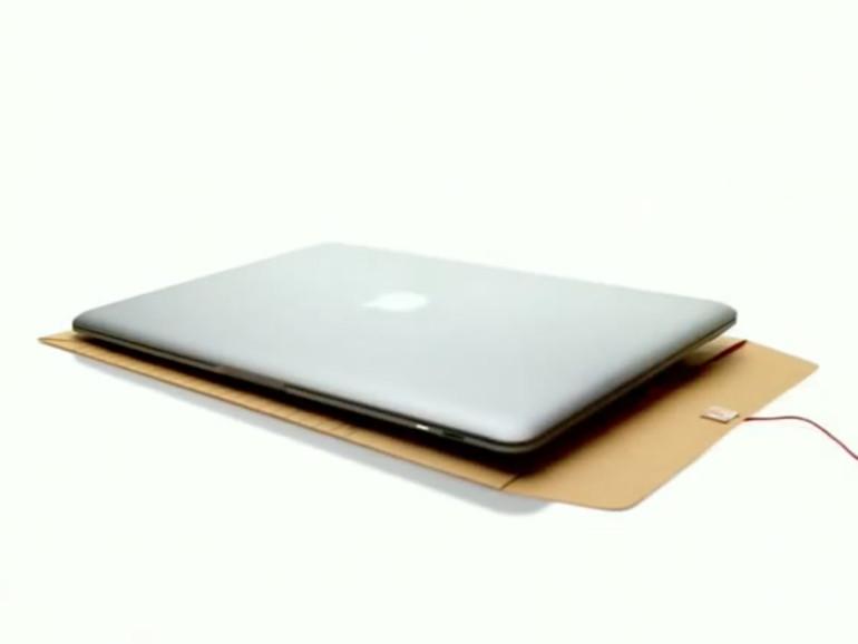 Nicht nur in der TV-Werbung wurde das MacBook aus einem Briefumschlag gezogen