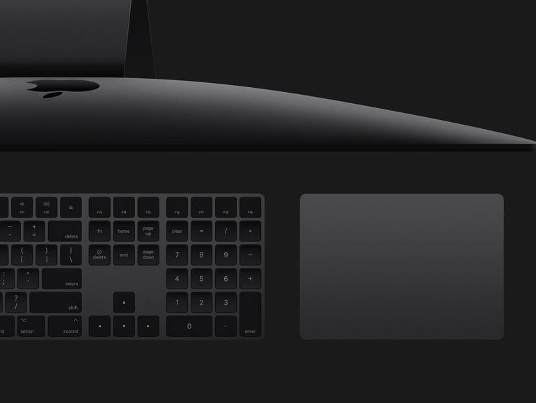 Auch das Zubehör des iMac Pro, wie die Tastatur und das Trackpad sind in der dunkleren Farbe gestaltet und momentan nur exklusiv für das Gerät erhältlich