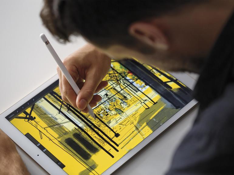 Der Apple Pencil profitiert ebenfalls von den nun möglichen 120 Bildern die Sekunden. Eingaben mit dem smarten Stift erscheinen viel flüssiger und ohne Latenz.