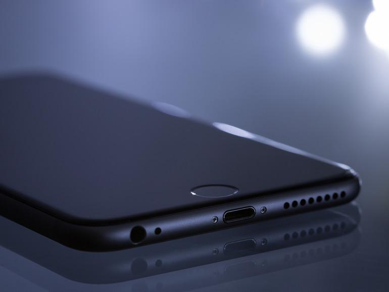 Apple: Maulkorb für Siri auf gesperrtem iPhone