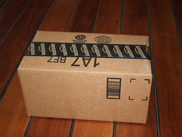 Die Lieferungen von Amazon erkennen Sie oft am markierten Klebeband