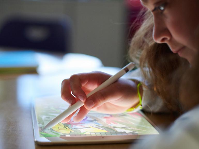 Neues iPad mit Pencil-Support erlaubt Schüler noch kreativer zu sein