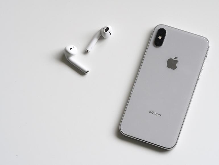 iPhone X und AirPods