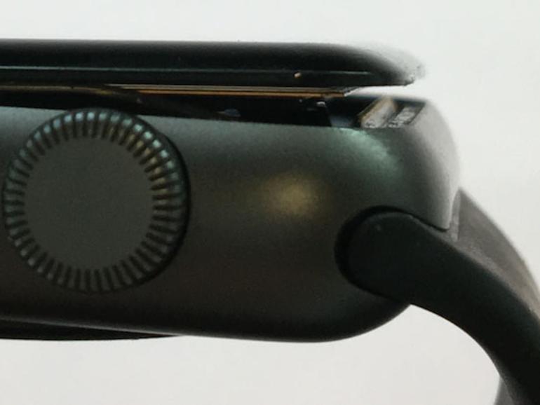 Apple repariert Apple Watch Series 2 mit  geschwollenen Akkus