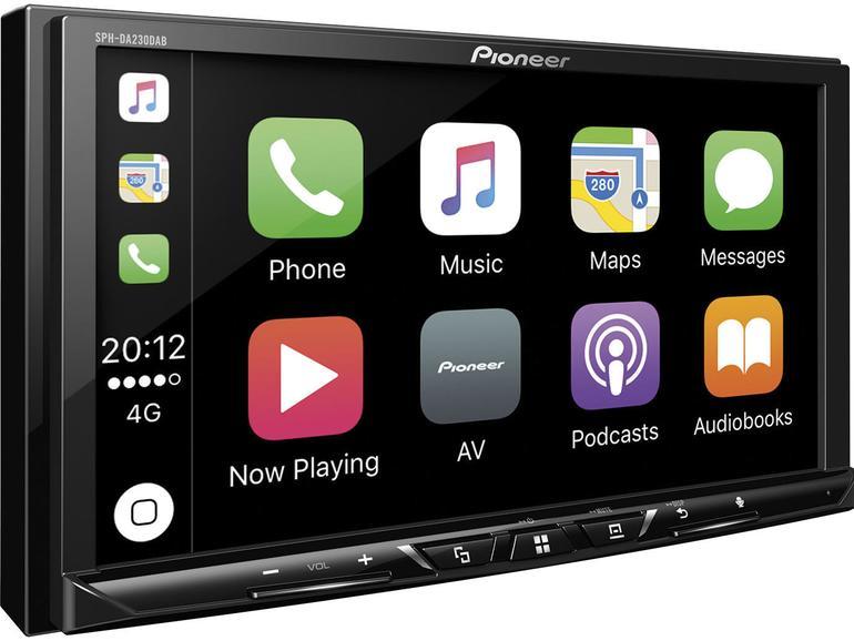 Pioneer DA230DAB: Made for iPhone – aber leider nur per USB-Kabel. Dafür glänzt der Pioneer-Receiver mit einem 7-Zoll-Display, DAB+-Digitalradio, dem Abspielen von Videos per USB und der Unterstützung des Audio-FLAC-Formats.