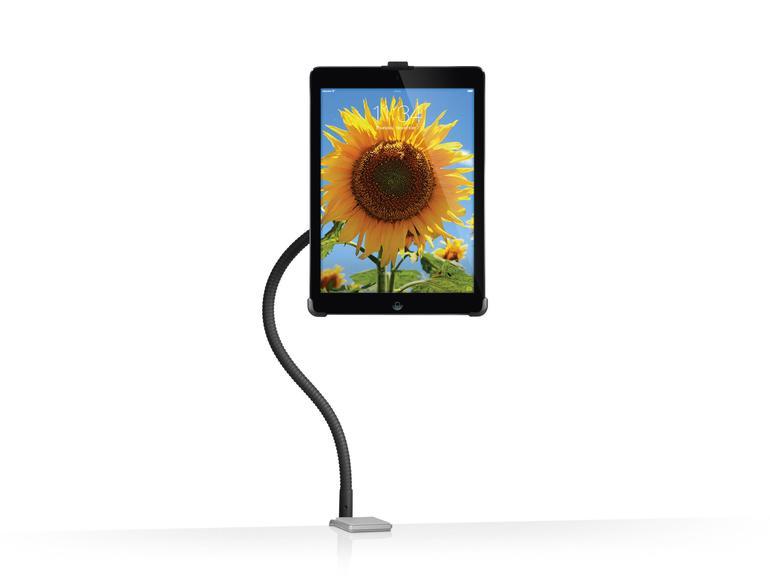 Flexibler Schwanenhals: Vor dem ersten Einsatz der Hoverbar ist handwerkliches Geschick gefragt: Zunächst muss die massive Klemme mit dem beiliegenden Werkzeug an einer stabilen Oberfläche befestigt werden. Dabei kann es sich beispielsweise um eine Tischplatte oder den Standfuß eines iMac handeln. In die Klemme schraubt man den 56 Zentimeter langen, biegsamen Metallarm. An dessen Ende befestigt man eine der drei beiliegenden iPad-Halterungen, in die das Tablet gedrückt wird. Der Arm behält seine Position, das iPad kann man stufenlos neigen und drehen, sogar an eine Kabelführung ist gedacht. So kann man das iPad neben oder über einem Monitor als Bildschirmerweiterung anbringen. Als Zugabe liegt dem Hoverbar ein Adapter bei, mit dem man das iPad im Hoch- oder Querformat wie einen Bilderrahmen hinstellen kann.