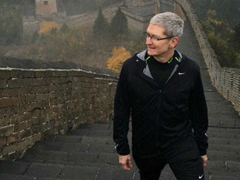 Tim Cook auf der Chinesischen Mauer