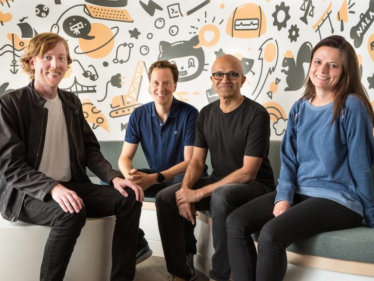 Sieht aus wie bei einer freundlichen Übernahme. Von links nach rechts: Chris Wanstrath (GitHub), Nat Friedman (bald Geschäftsführer von GitHub), Satya Nadella (CEO von Microsoft) und Amy Hood (Finanzvorstand von MS).