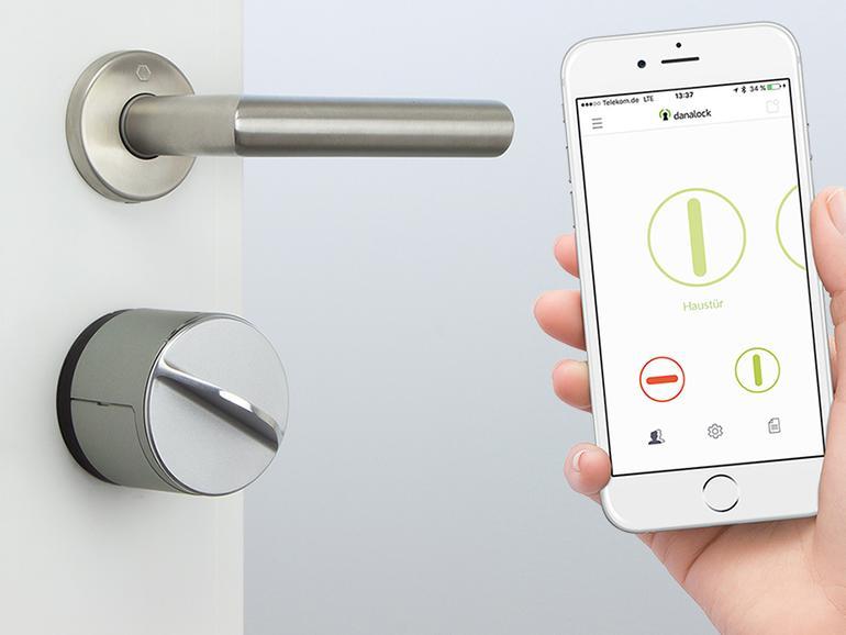 Top Haustürschloss mit iPhone-Schlüssel bei Apple im Angebot | Mac Life HQ08