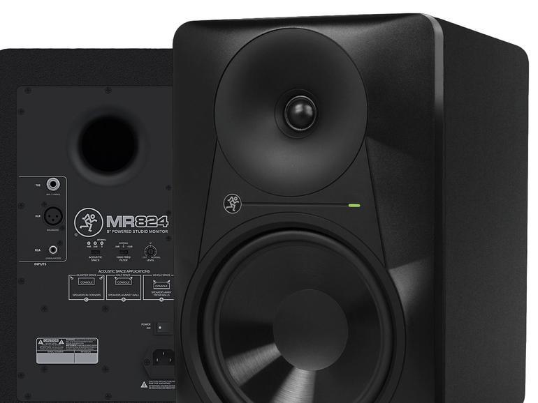 Die eingebauten Klangfilter erlauben eine dezente, aber effektive Anpassung der Höhen sowie eine Aufstellung in Wandnähe.
