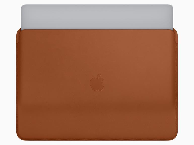 Lederhülle für das MacBook Pro in Sattelbraun