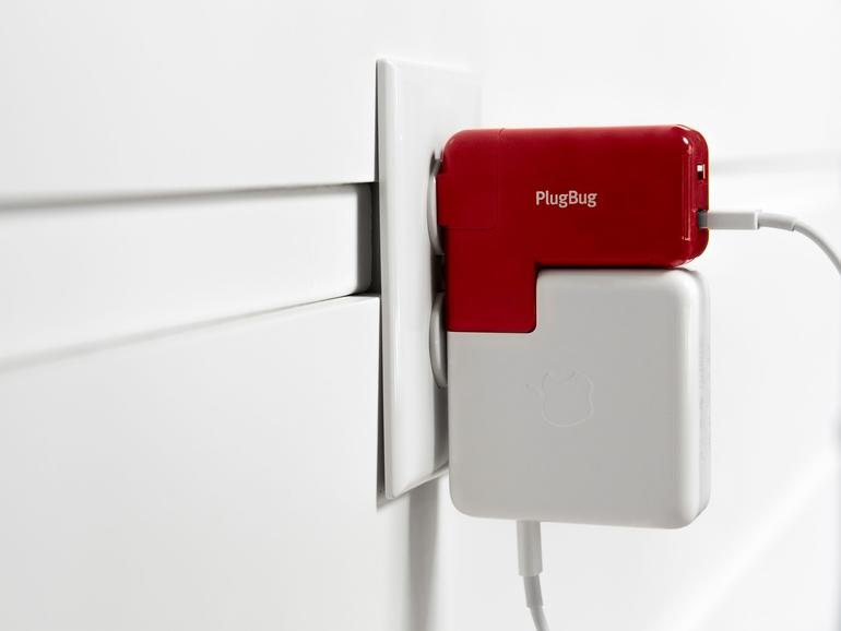 PlugBug Duo dockt am MacBook-Ladegerät an