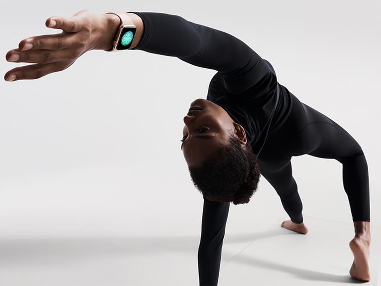 Apple Watch Series 4 beim Yoga