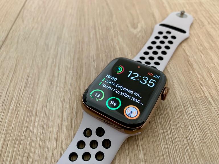 Das ist sie also, die neue Apple Watch Series 4. Kleiner und zugleich größer als das Vorjahresmodell.