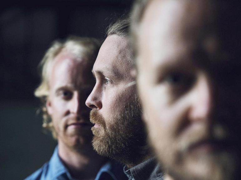Gunnar Már Jakobsson, Ragnar Ólafsson und Daniel Auðunsson bilden Árstíðir.