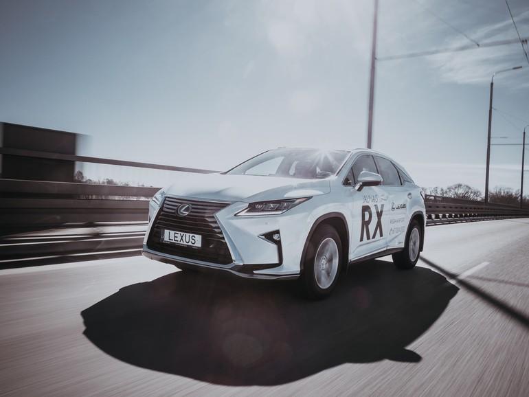Apple nutzt für die Tests seiner autonomen Technologien SUVs von Lexus