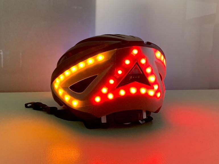 Die Blinker können als Bremslicht zusätzlich rot leuchten