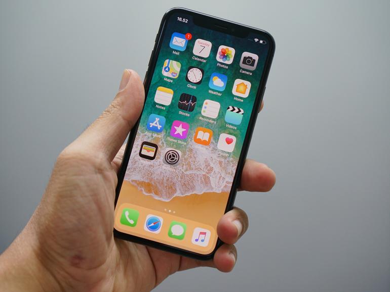 Es wird für manche Menschen immer schwieriger, das iPhone in einer Hand zu halten