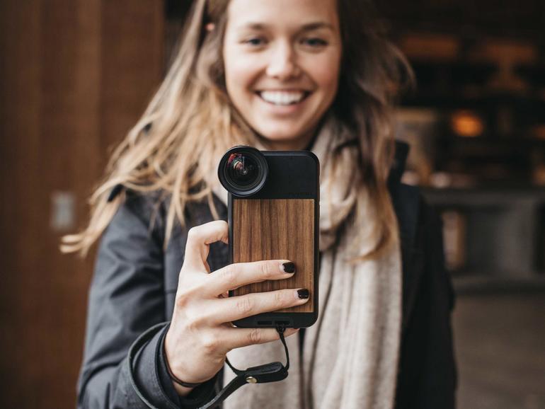Mit alternativen Objektiven für das iPhone verhelfen Sie Ihren Filmen zu einem professionelleren Look.