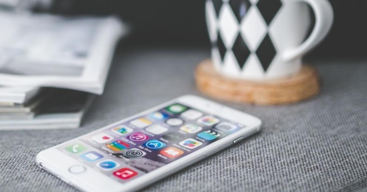 induktion apple setzt beim iphone 8 auf langsamen qi. Black Bedroom Furniture Sets. Home Design Ideas