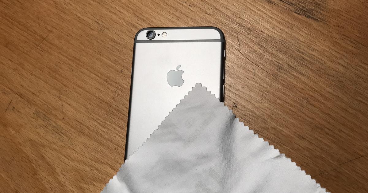 herbstputz apple gibt tipps zur reinigung des iphones. Black Bedroom Furniture Sets. Home Design Ideas