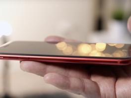 So bekommt das rote iPhone (Product)Red eine schwarze Front