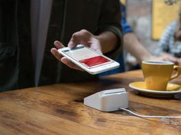 Apple Pay: Deutsche Händler bauen schon Schilder auf