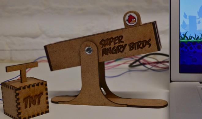 Super Angry Birds: Studenten entwickeln Schleuder-Controller