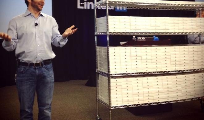 LinkedIn verschenkt 3500 iPad mini an Mitarbeiter