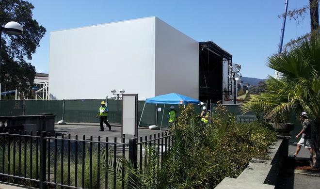 Apple baut große Bühne für iPhone 6 Event am 9. September