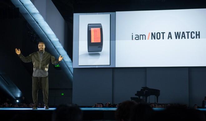 Will.i.am präsentiert Armband-Smartphone mit SIM-Karten-Slot: Telefonieren und Daten-Netzanbindung ohne Smartphone möglich