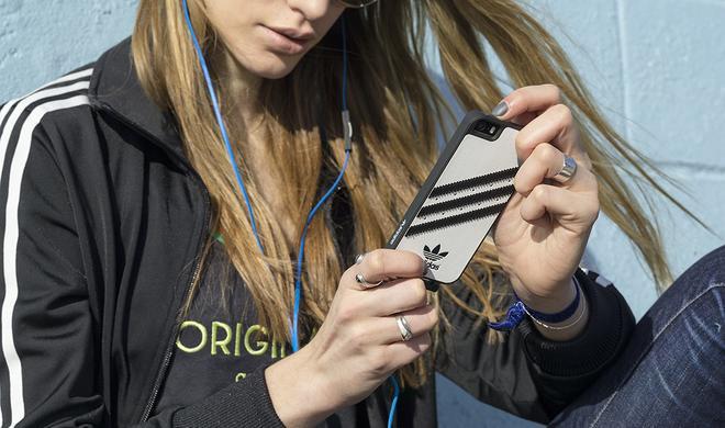 adidas bietet in der Originals-Serie gleich drei Designer-Hüllen für Apples Smartphone