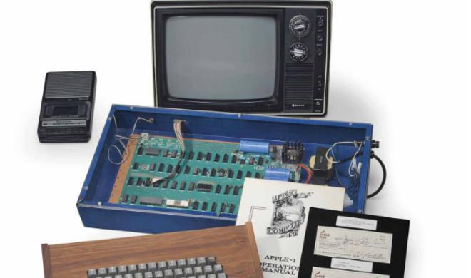 Apple I: Auktionshaus Christie's versteigert originale Apple-Ikone für 365.000 US-Dollar