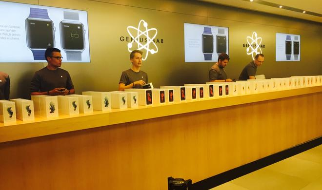 iPhone 6s Verkaufsstart: Die besten Momente aus dem Hamburger Apple Store - so sieht der erste Kunde aus