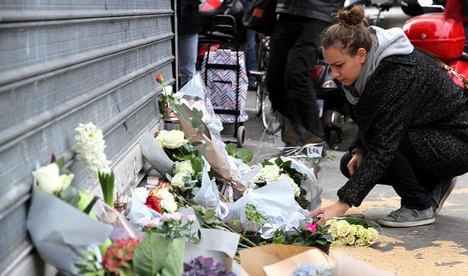So halfen Soziale Netzwerke nach den Anschlägen in Paris