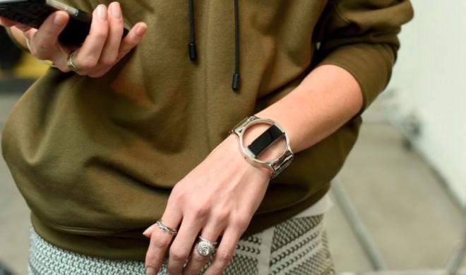 Fitbit auf der New York Fashion Week: Fitbits stylische Fitnesstracker als Konkurrenz zur Apple Watch?